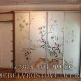 shkafy-kupe-s-vitrazhami-32